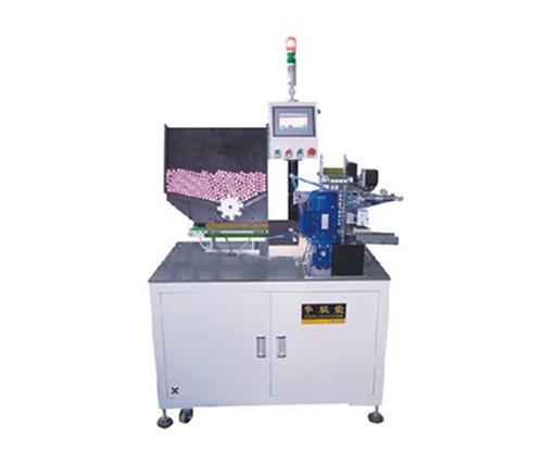 自动贴青稞纸机